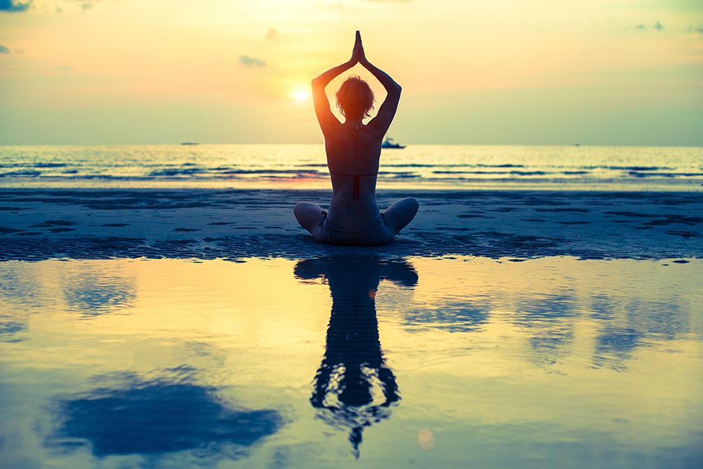 активная мужская энергия,мягкая женская жнергия,окно и зеркало,быть чутким к людям,эмоциям,аюрведа,йогатерапия,циркуляция воздуха в классе,отстройка асан,слушать свое тело во время практики
